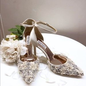 Badgley Mischka Fey Pump Ivory Bridal Floral 10
